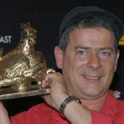 Nicht nur mit zahllosen Goldenen und Platin-Schallplatten wurde der heute 48-Jährige ausgezeichnet. 2010 erhielt er außerdem die Goldene Henne in der Kategorie Leserpreis Musik.