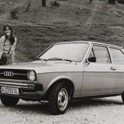 Der Audi 50 ist ein Kleinwagen. Er hat ein Frontantrieb und einen Vierzylinder-Ottomotor.