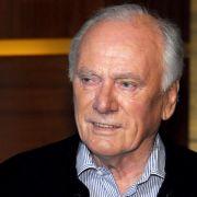 31.01. - Udo Lattek (80): Mit acht Meistertiteln war er der erfolgreichste Fußballtrainer der Bundesliga. Mit dem FC Bayern gewann er 1974 den Europapokal der Landesmeister und 1979 führte er Borussia Mönchengladbach zum Sieg im UEFA-Pokal.