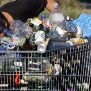 Flaschensammeln bleibt meist ein Zusatzverdienst, reich macht es nicht.