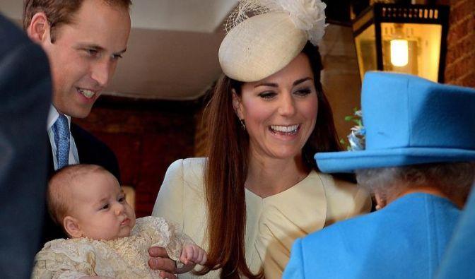 Echtes Jordan-Wasser ist bei der Taufe des Royal-Baby im Einsatz. Große Freude bei Prinz William, Katherine und der Queen. (Foto)