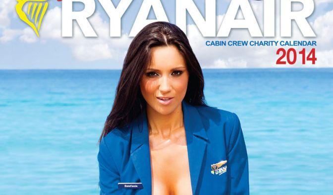 Dass die Billig-Airline durchaus ansehnliche Stewardessen hat, zeigt Ryanair im Kalender 2014. Los geht's. (Foto)