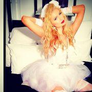Paris Hilton als heiße Halloweenbraut.