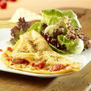 Omelett mit Herbstsalat und Birnen-Joghurt Dressing
