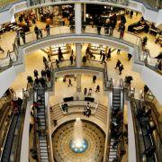 In einem mehrstöckigen Einkaufszentrum sprang Tao Hsiao in den Tod (Symbolbild).