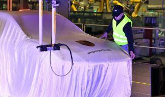 Porsche eröffnet neue Fabrik in Sachsen (Foto)