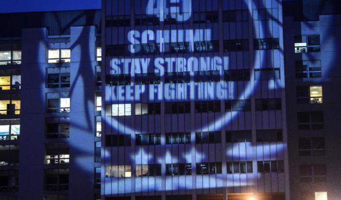 Zu seinem 45. Geburtstag am 3. Januar kamen Hunderte Schumi-Fans, ...