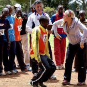 Anni Friesinger will Kenianer aufs Eis bringen.
