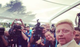 Stolz wie Boris: Becker wird von den Journalisten bei den Australian Open hofiert. (Foto)