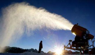 Schnee und Sonne machen den perfekten Skitag aus. Aber wenn es zu warm wird, bringt auch die Kanone nichts. (Foto)