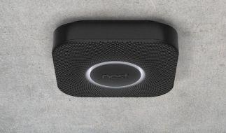 Ein Rauchmelder der amerikanischen Firma Nest. Google übernimmt die Nest, einen Anbieter digitaler Thermostate und Rauchmelder, für 3,2 Milliarden Dollar. (Foto)
