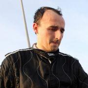 Während seiner Formel-1-Karriere hatte Robert Kubica viele Unfälle mit Glück fast schadlos überstanden. Ausgerechnet bei einem Rallye-Gastauftritt prallte der Pilot mit seinem Wagen gegen eine Kirchenmauer und wurde ins künstliche Koma versetzt.