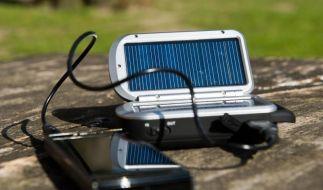 Steckdose zum Mitnehmen: Akkupacks für Handy und Laptop (Foto)