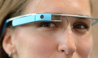 Scheinbar ungeahnte Möglichkeiten ergeben sich mit der Datenbrille von Google. (Foto)