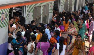 In Mumbai gibt es bereits spezielle Züge nur für Frauen. (Foto)