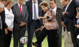 Nach WM-Protesten - Brasilien kündigt Transparenz an (Foto)