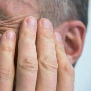Spieleabend endet blutig: Ohr abgebissen! (Foto)