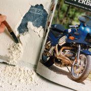 Als Drogenversteck eignet sich eigentlich alles. Zum Beispiel dieser Motorrad-Bildband mit 500 Gramm Koks.