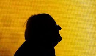 FIFA-Präsident Blatter lässt sich bitten (Foto)