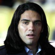 Platz 6: Der Kolumbianer Radamel Falcao hat nicht nur die Haare schön, er kann auch auf dem Platz zaubern. Manchester United bezahlt ihn dafür mit 31 Millionen Dollar (ca. 27,2 Millionen Euro).