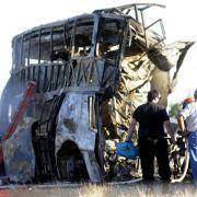 Lkw stößt auf Geisterfahrt gegen Bus in Argentinien: 17 Tote (Foto)
