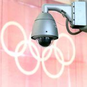 Viele Kontrollen: Spießrutenlaufen bei Olympia (Foto)