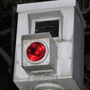 Warum lösen Blitzanlagen an Ampeln zweimal aus? (Foto)