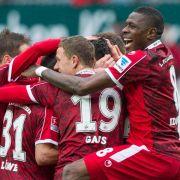 FCK letzter Zweitligist im Pokal - Krisen-HSVgegen FCB (Foto)