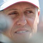 Familie, Fans und Kollegen müssen weiter um Michael Schumacher bangen.