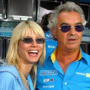Renault-Teamchef Flavio Briatore (r) und seine neue Freundin, das deutsche Top-Modell Heidi Klum