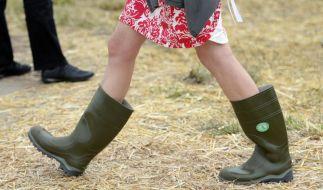 Gummistiefel auf dem Laufsteg: Londons Mode hofft auf «Britishness» (Foto)