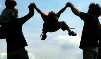 Umfrage: Eltern fühlen sich nicht gestresster als Kinderlose (Foto)