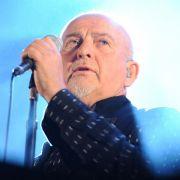 Peter Gabriel ließ sich vom Publikum auffangen (Foto)