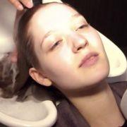 Auf Facebook verkündet das «GNTM»-Team: «Es brodelt in der Gerüchteküche, eins der Mädchen bekommt sogar eine Glatze!»