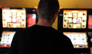 Das Glücksspiel bewahrt einen Bochumer vor dem Knast. (Foto)