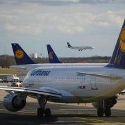 Lage am Frankfurter Flughafen soll sich bis Mittag normalisieren (Foto)