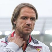 VfB taumelt - Coach Schneider geht von Verbleib aus (Foto)
