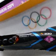 Bobpilot Arndt steuert auf Medaillenkurs (Foto)