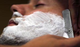 Haarige Zeitreise: Männer gehen wieder zum Barbier (Foto)