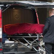 Mörderin lebt zwei Wochen mit Leiche ihrer Mutter (Foto)