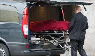 Die Leiche ihrer Mutter lag 14 Tage lang im Wohnzimmer einer Frau. (Foto)