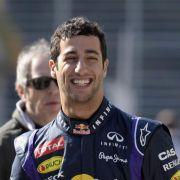 Erst Ricciardo, dann Vettel in Bahrain am Steuer (Foto)