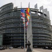 EU-Parlament will besseren Schutz für Versicherungskunden (Foto)