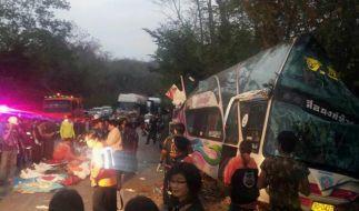 15 Tote bei Busunglück in Thailand (Foto)