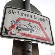Geisterfahrer auf dem Rad haften bei Unfall alleine (Foto)