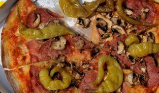 Pizza-Pepperoni will sicher kein Mann zwischen den Beinen - das merkte auch ein Twitterer, der sich über unbefriedigende Pizza-Liebe beschwerte. (Foto)