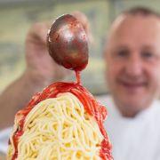 Mit der Spätzlepresse: 45 Jahre Spaghettieis (Foto)