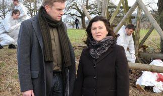 Klara Blum (Eva Mattes) und Kai Perlmann (Sebastian Bezzel): Mehr Zweifel als Fakten. (Foto)