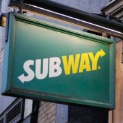 Wie schon McDonald's sieht sich nun auch Subway einer kuriosen Kundenklage ausgesetzt.