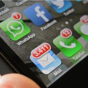 Zeitung: Mercedes, Volvo und Ferrari binden iPhone ein (Foto)